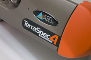 TerraSpec 4 Handheld Analyzer Up-close