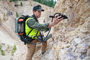 TerraSpec 4 with High Contact Probe testing rock